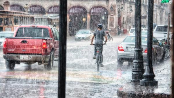 pioggia dirompente in città